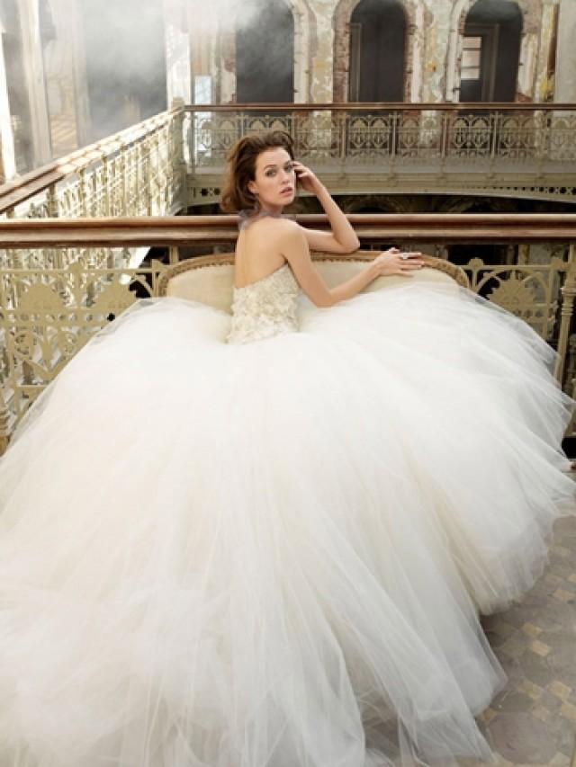 wedding photo - Ivory Tulle Sweetheart Bridal Ball Gown with Beaded and Embroidered Bodice