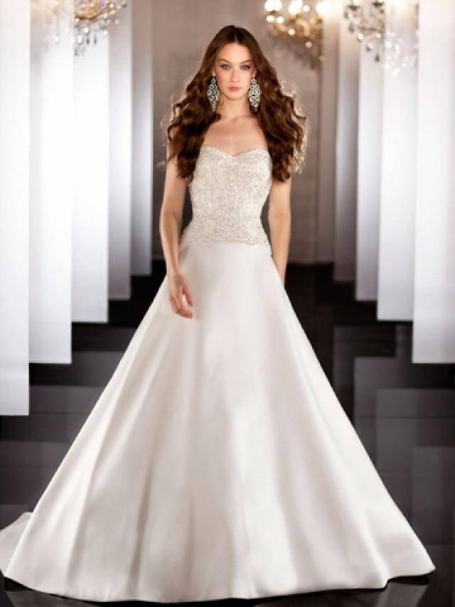 wedding photo - Strapless A-line Sweetheart Beading Bodice Wedding Dress with Traditional Chapel Train