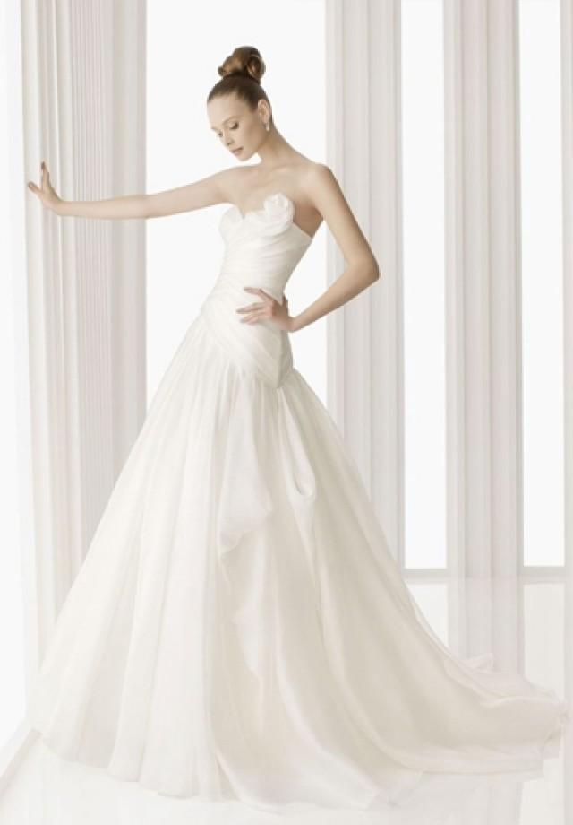 wedding photo - Organza Elegant Wedding Dress with Handmade Flowers at Neckline and Pleated Bodice
