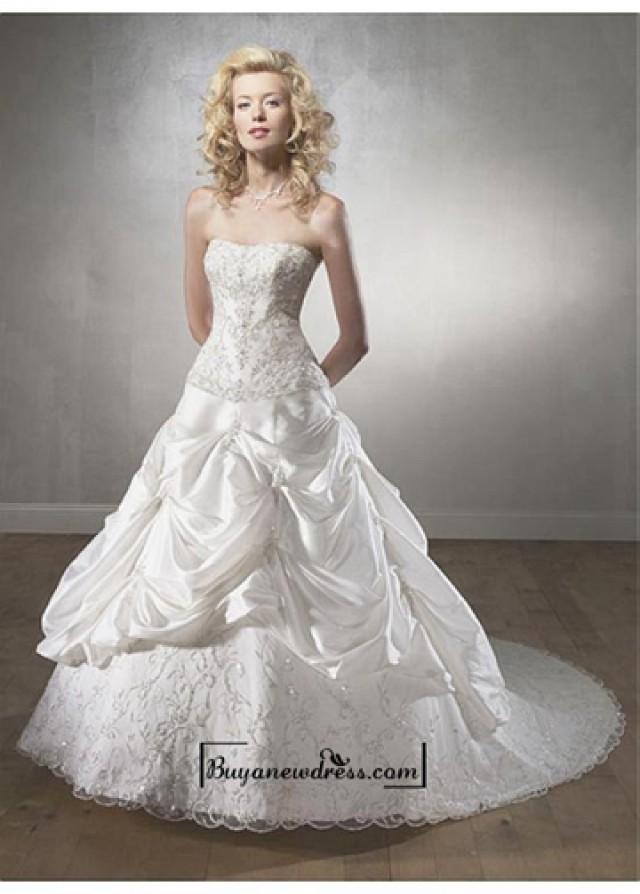 wedding photo - A Stunning Taffeta Strapless Wedding Dress