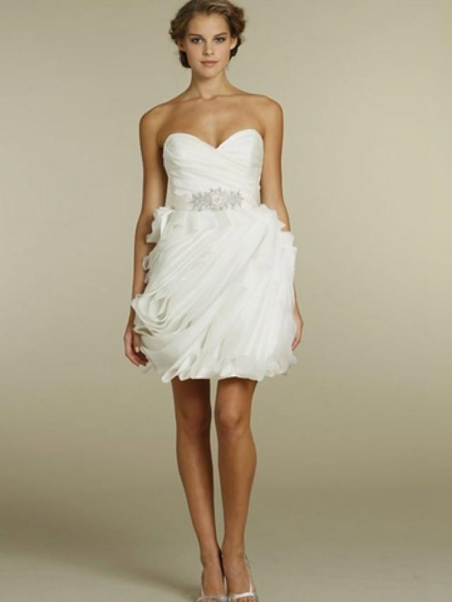 wedding photo - Chic Organza Wave Short Wedding Dress with Pleated Bodice and Strapless Sweetheart Neckline