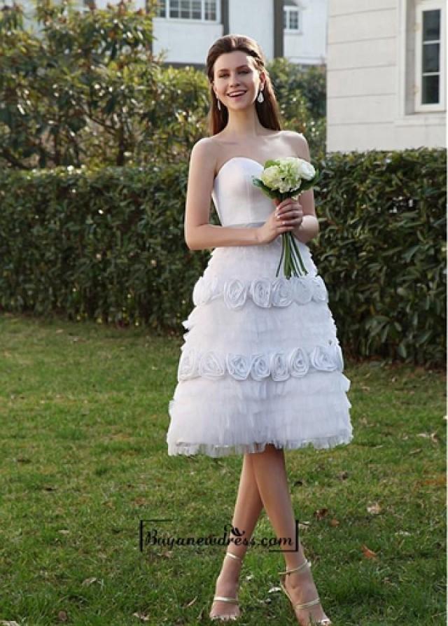 wedding photo - Alluring Satin&Tulle A-line Sweetheart Neckline Knee Length Wedding Dress