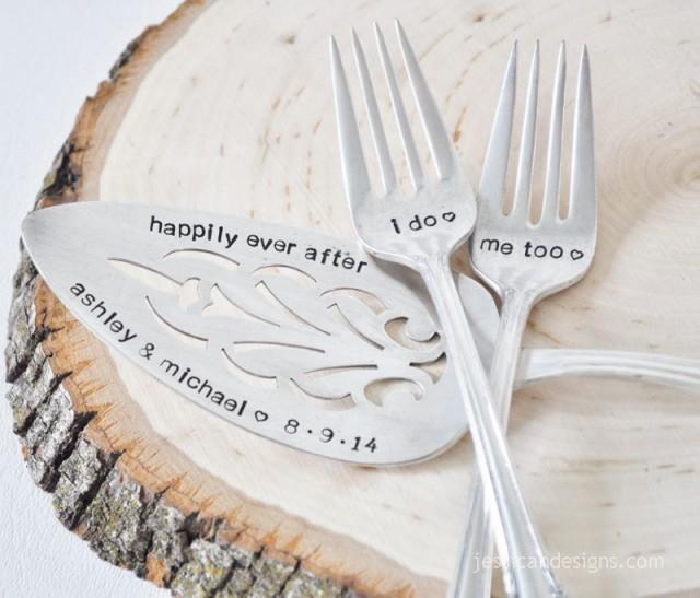personalized vintage wedding cake server forks set customized with your wedding date. Black Bedroom Furniture Sets. Home Design Ideas