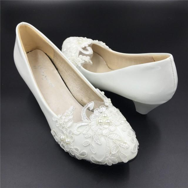Low Heels Ivory White Flower Ladies Wedding ShoesLace Flowers Bridesmaid Heels ShoesWedding