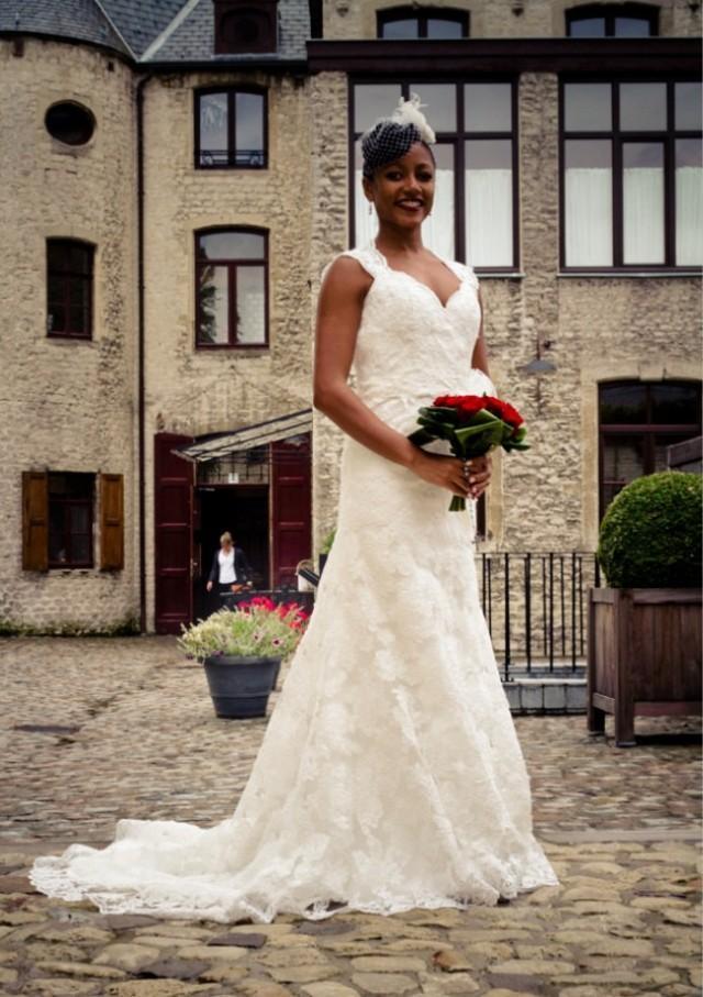Lace keyhole back cap sleeves wedding gown paulina for Wedding dress with keyhole back