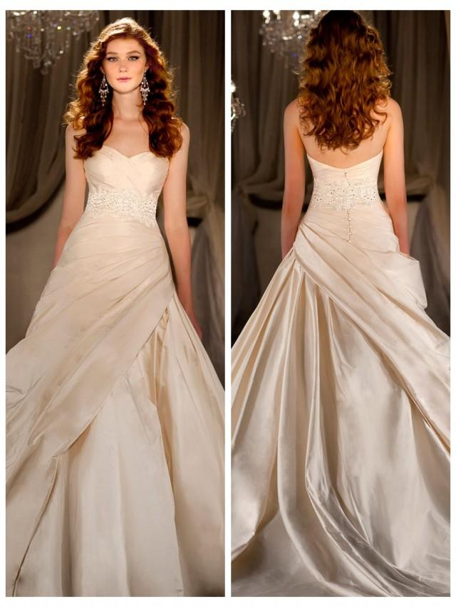 wedding photo - Sweetheart Ruched Ball Gown Wedding Dress with Beaded Lace Belt