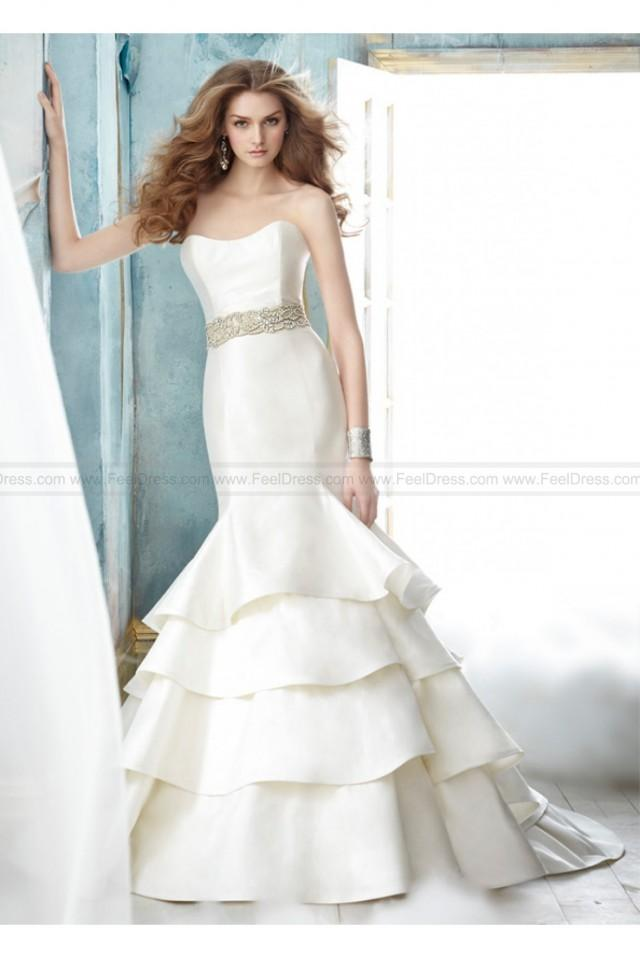 wedding photo - Jim Hjelm Wedding Dress Style JH8208
