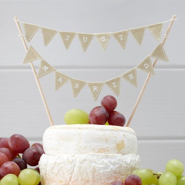 Decor just married vintage bunting cake topper 2451858 for Just married dekoration
