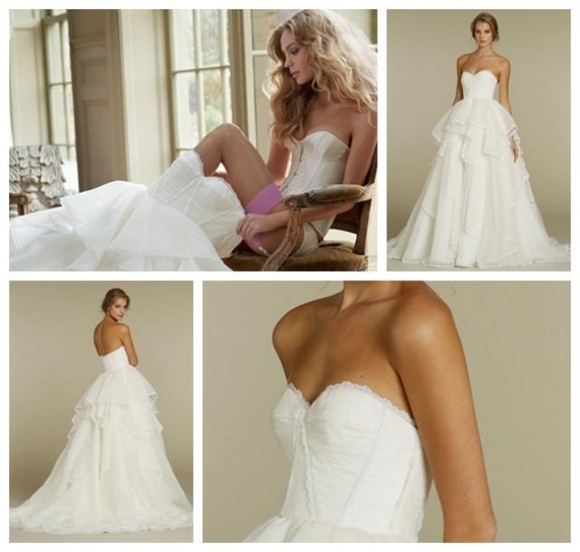 wedding photo - Unique Corset Bodice Strapless Bridal Ball Gown Wedding Dress Spring