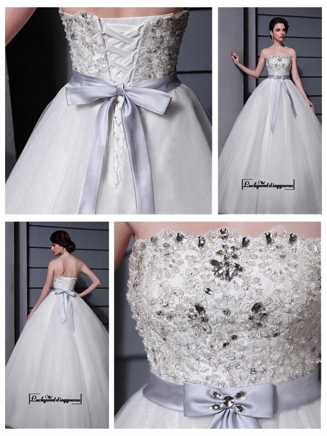 wedding photo - Alluring Tulle&Satin A-line Strapless Neckline Natural Waistline Wedding Dress