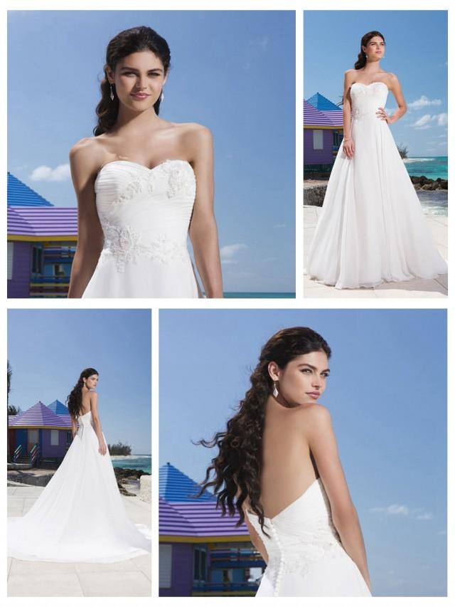 wedding photo - Sweetheart Neckline And A Beaded Lace Appliques Ruched Bodice Chiffon Ball Gown