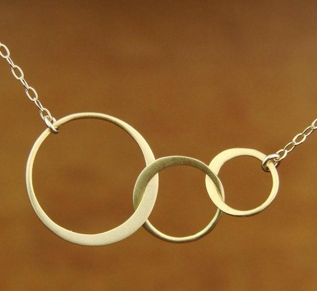 Three Circle Necklace Gold Circle Necklace Interlocking