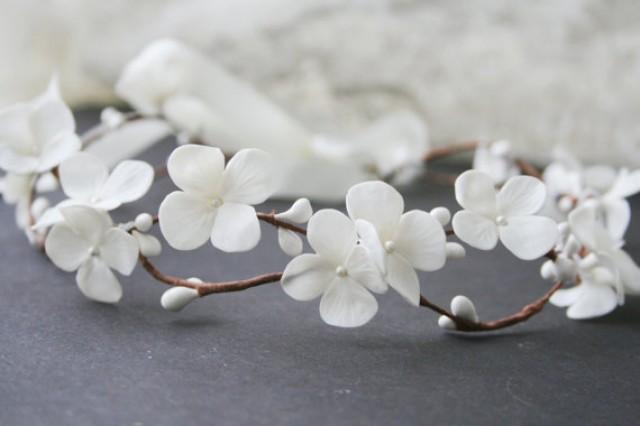 wedding photo - Hydrangea Bridal crown, bridal flower crown, white flower crown, wedding flower crown, Bridal headpiece, woodland crown, white crown