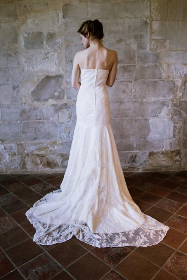 Lace Wedding Dress Empire Waist Wedding Dress With Long Train Romantic Vintage Wedding Dress