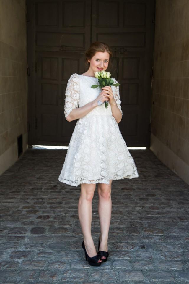 Short wedding dress retro lace wedding dress with sleeves for Short lace wedding dress with long sleeves
