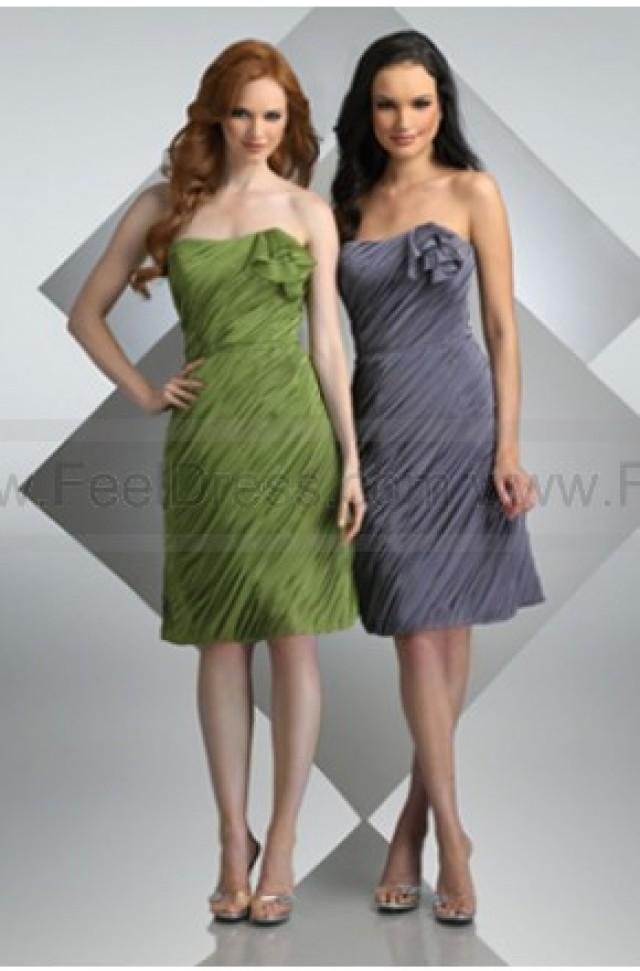 wedding photo - Flower Trimed Knee_length Ruching Bodice Bridesmaid Dress
