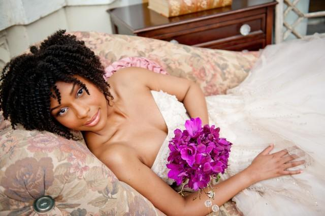 wedding photo - 60 Short Curly Hairstyles for Black Woman