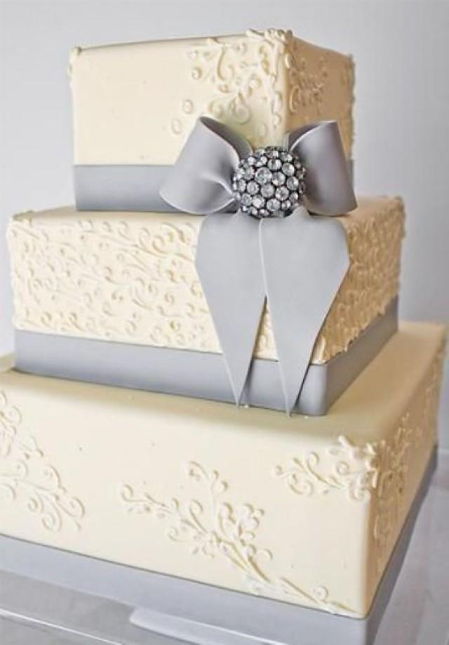 30 Gorgeous Square Wedding Cake Ideas - Weddingomania - Weddbook