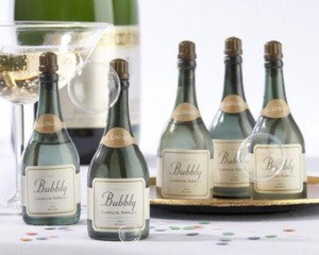wedding photo - Champagne Bubbles
