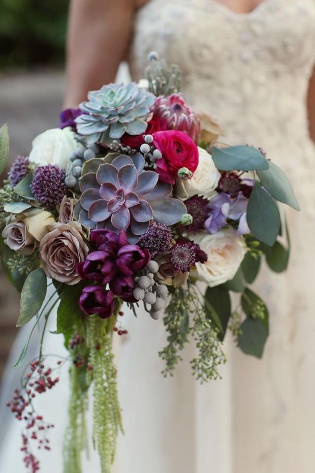 wedding photo - A Seasonal Guide To Gorgeous Wedding Flowers