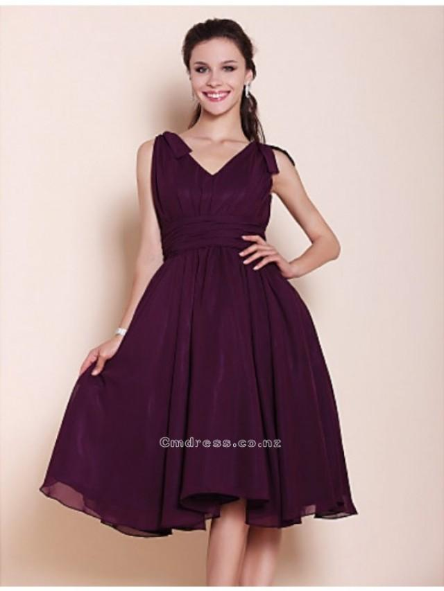 wedding photo - A-line Princess V-neck Knee-length Chiffon Bridesmaid DressSKU: SAL00157-LT