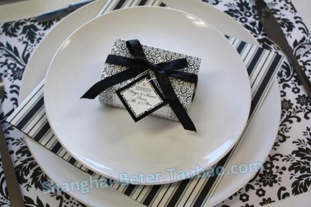 Black And White Wedding Supplies : Black and white wedding favors beter xz weddbook