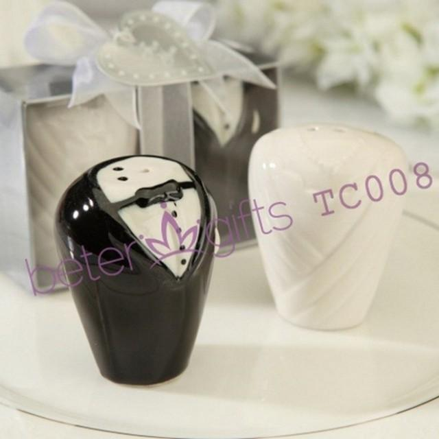 wedding photo - bride and groom salt and pepper shakers wedding favors BETER-TC008