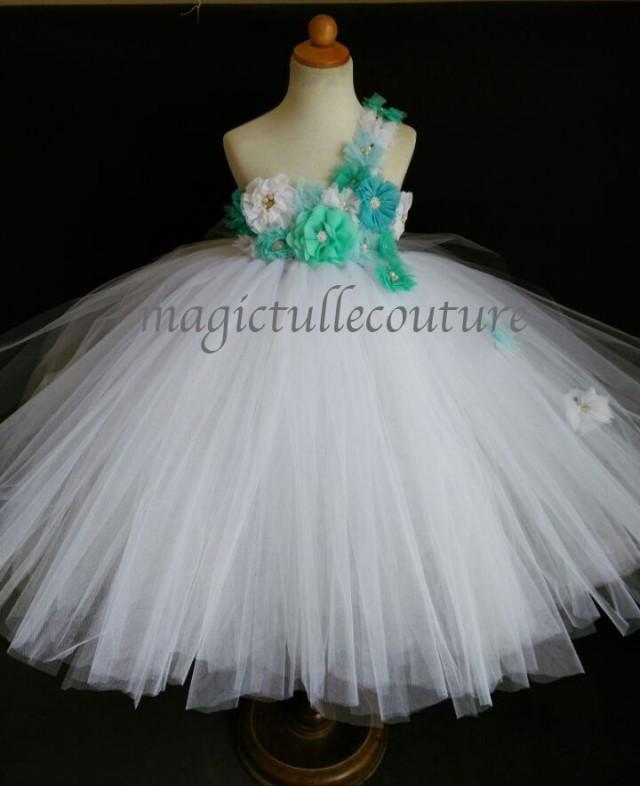 Beach wedding teal blue aqua turquoise mint green ocean for Aqua blue and white wedding dresses