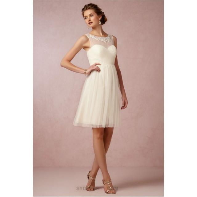 wedding photo - Elegant Short Knee Length A Line Tulle Cream Bridesmaid Dress V Back Wedding Party Dresses