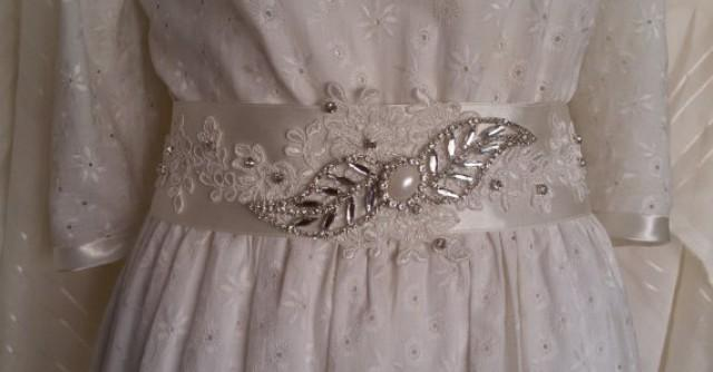 wedding photo - Wedding sash belt, Wedding accessories, Bridal sash, ivory lace bridal belt sash, Wedding lace and pearl sash, Satin ribbon with rhinestone