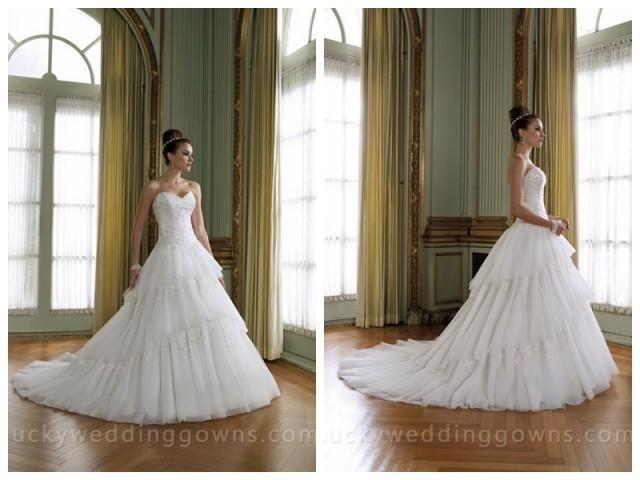 wedding photo - Sweetheart Wedding Dress with Tiered Tulle Skirt