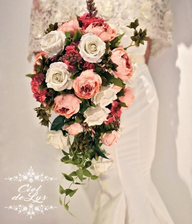 Jacquie cascading wedding bouquet by ciel de lys peonies for Bouquet de lys