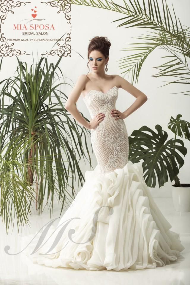 Transporting Wedding Dress For Destination Wedding : Mermaid wedding dress bridal beach