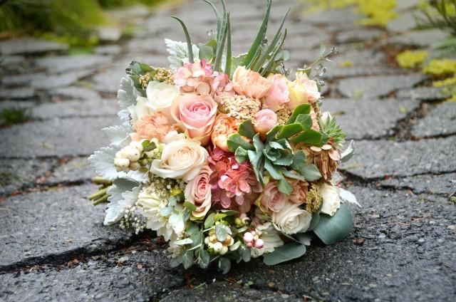 fresh flower bridal bouquet example only for local brides not for sale succulent bouquet. Black Bedroom Furniture Sets. Home Design Ideas
