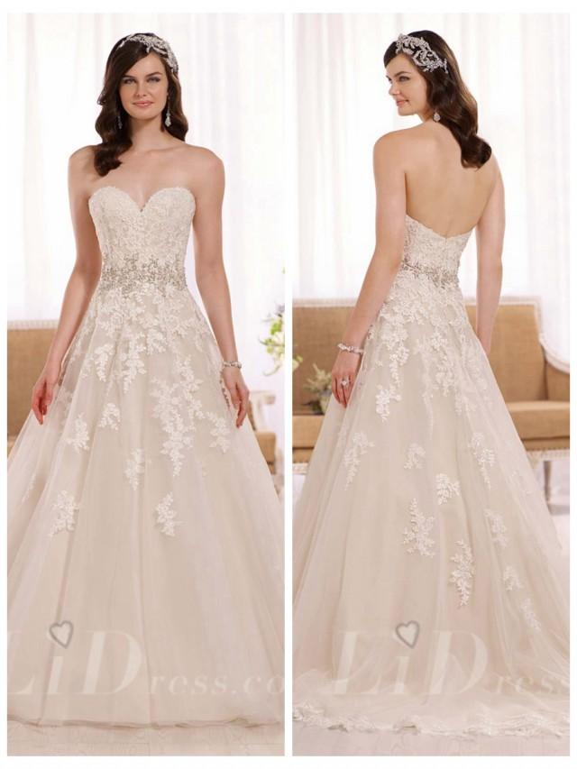 Elegant A Line Sweetheart Lace Appliques Wedding Dress