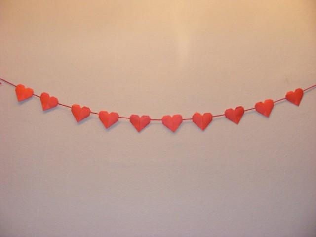 wedding photo - Origami Heart Garland for Valentine Days,Wedding,Engagement,Heart garland, ombre garland, Origami wedding,Origami Valentine day