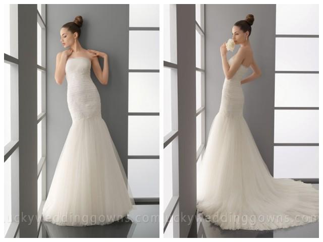 wedding photo - Fit and Flare Romantic Trumpet Chapel Train Wedding Dress