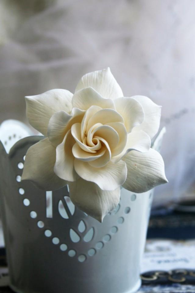 wedding photo - Ivory Gardenia Hair clip Wedding hair flower Bridal hair flower Bridal flower hair clip Clay hair flower Ivory wedding