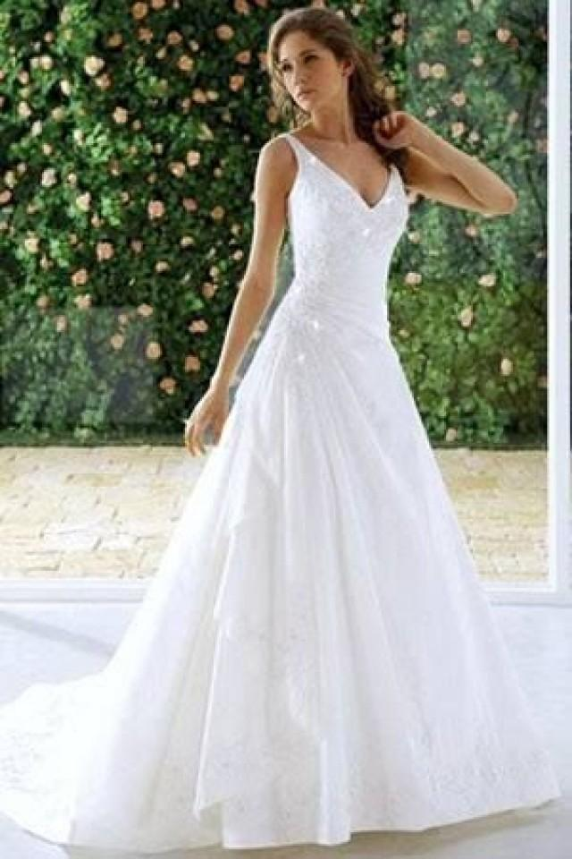 Causal a line wedding dresses with plunging neckline for Plunge neck wedding dress