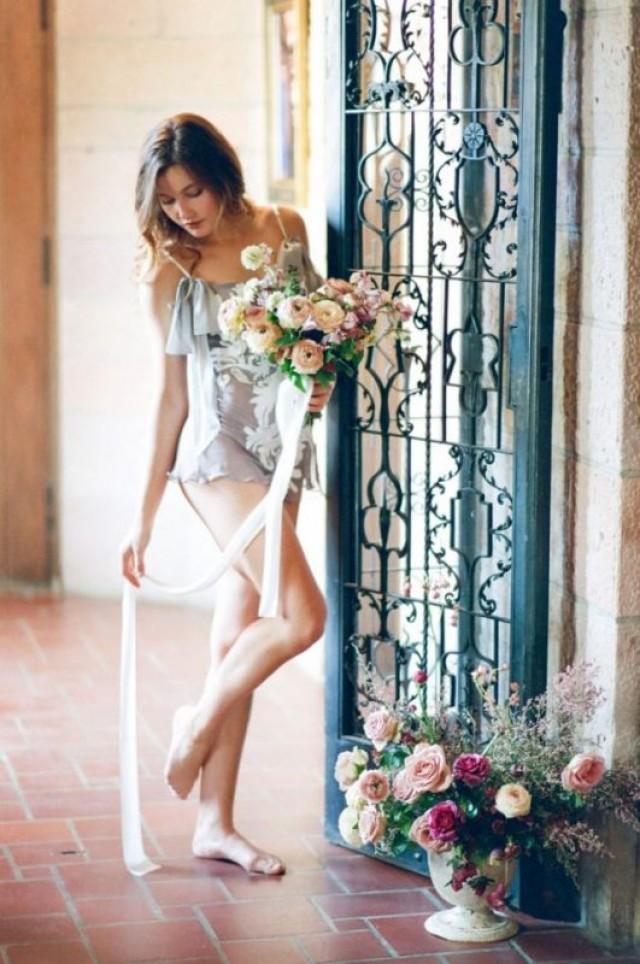 wedding photo - European Bridal Boudoir Shoot In Black And Peach Cream - Weddingomania
