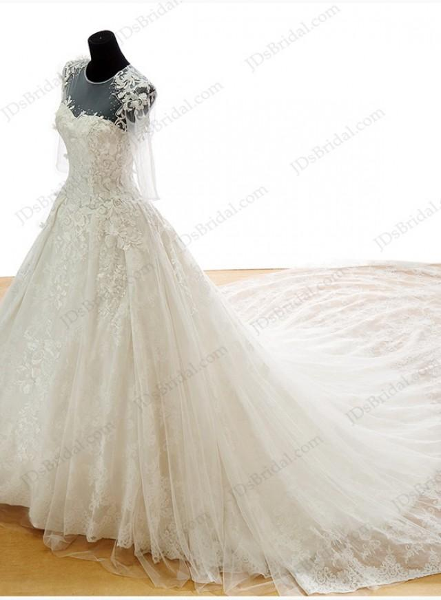 Is048 luxury lace princess wedding dress with big for Lace wedding dress with long train