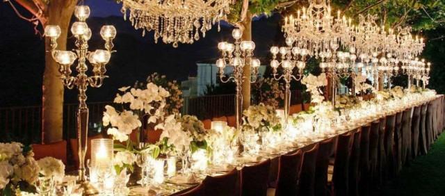 Ideas originales para decorar las mesas de la boda weddbook for Mesas de boda originales