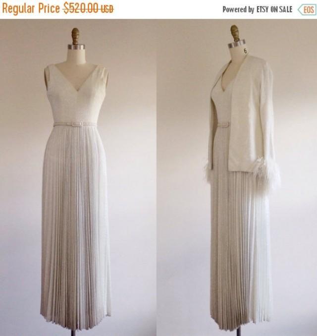 25 off sale simple wedding dress white wedding dress for Simple off white wedding dresses