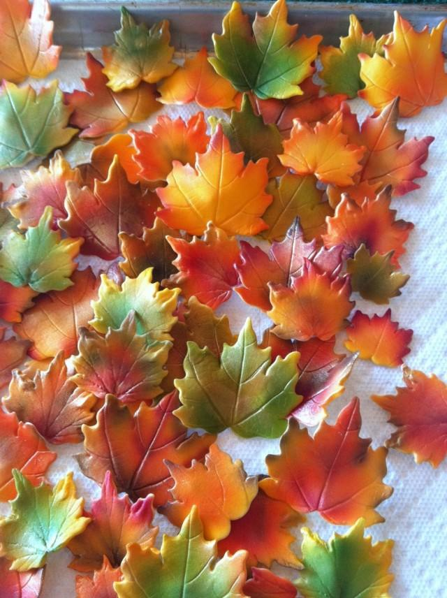 Autumn gum paste fall edible leaves for cake decorating for Autumn cake decoration