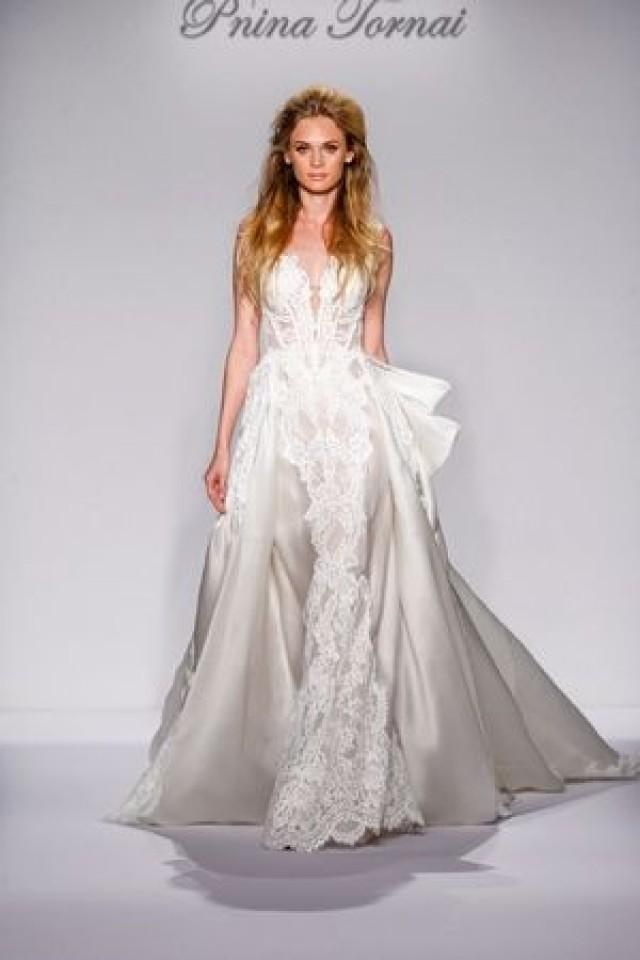 the largest selection of wedding dresses on the go