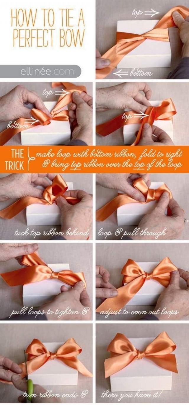 Как из ленты сделать бант на большой подарок 6