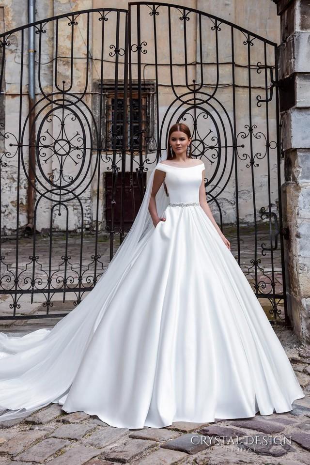 New arrival off the shoulder crystal design 2016 wedding for Wedding dress shops online