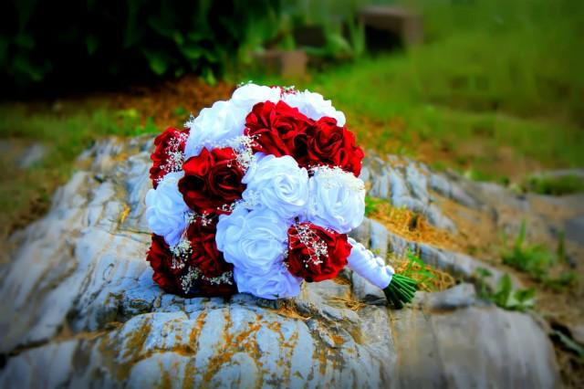 Wedding Bouquet Traditional Flowers : Bright red and white fabric flower bouquet rose handmade flowers traditional