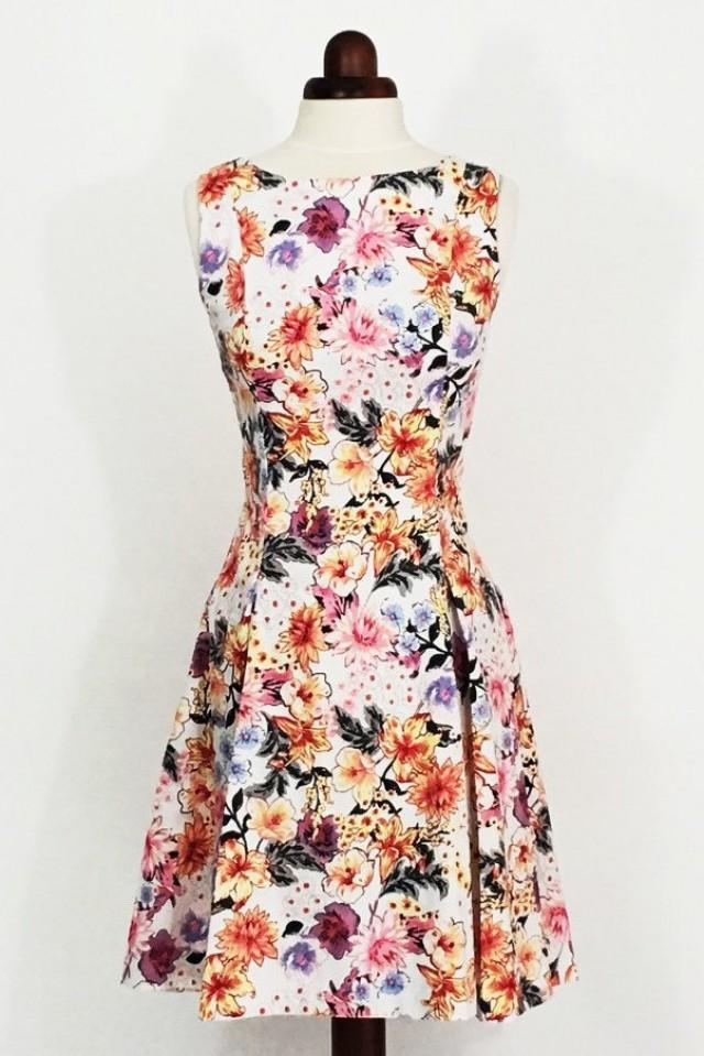 Ditsy floral dress fit and flare dress tropical print for Tropical wedding guest dresses