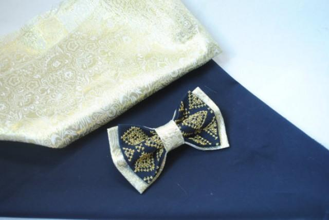 wedding photo - Wedding bowtie Gold brocade navy blue bow tie with gold embroidery El oro brocado azul marino corbata azul arco Bleu marine arc bleu cravate